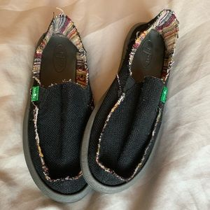 Sanuk Shoes - Black Sanuk size US 5